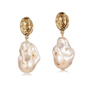 LOST IN ECHO INNA Baroque Pearl Earring with Diamond | MADA IN CHINA
