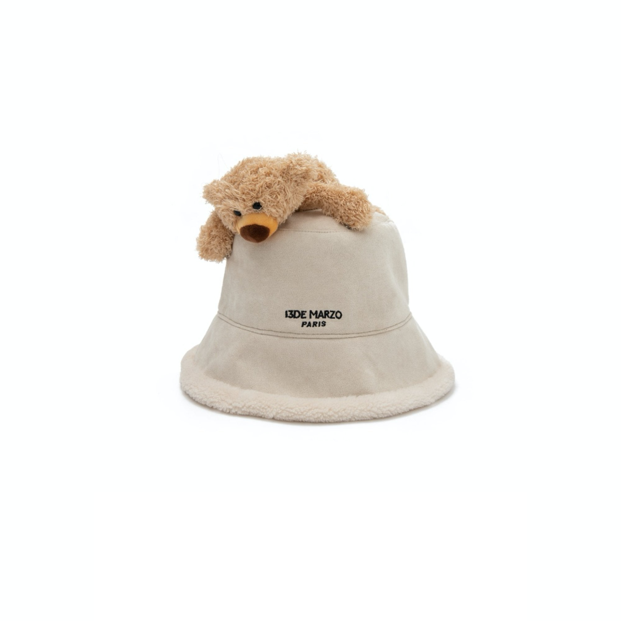 13 DE MARZO Lazy Teddy Bear Both-side Bucket Hat Pearled Ivory | MADA IN CHINA