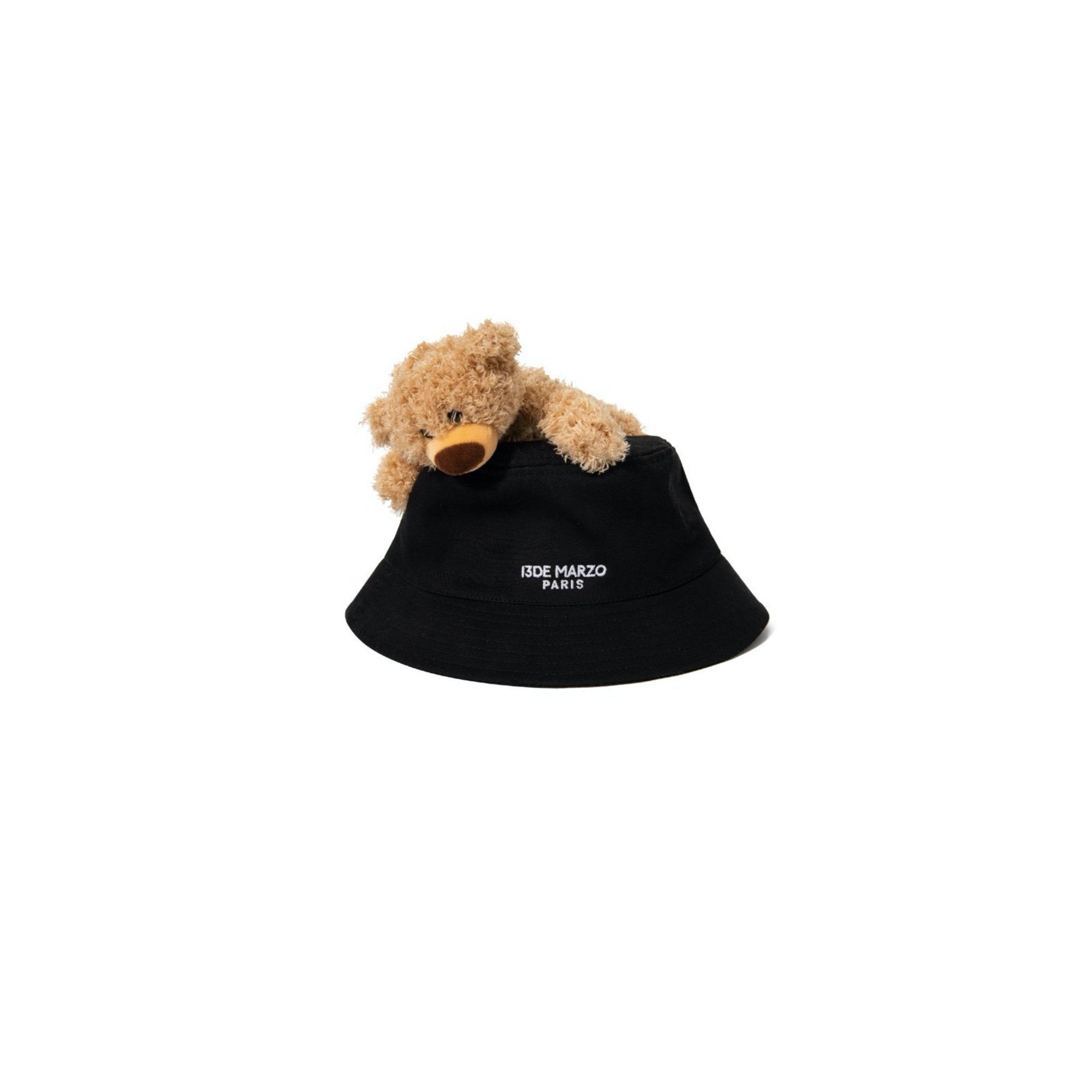 13 DE MARZO Lazy Teddy Bear Bucket Hat | MADA IN CHINA