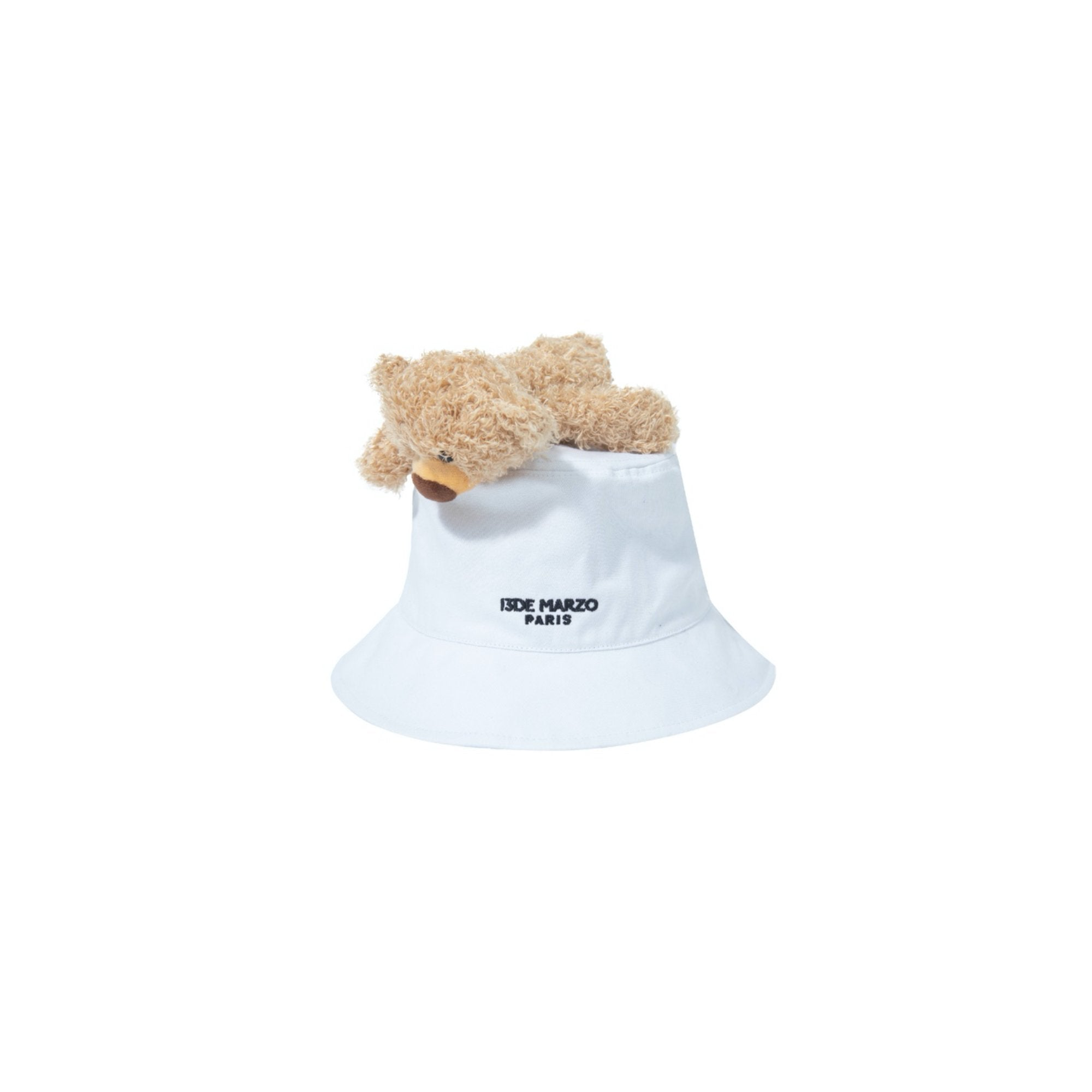 13 DE MARZO Lazy Teddy Bear Bucket Hat White | MADA IN CHINA