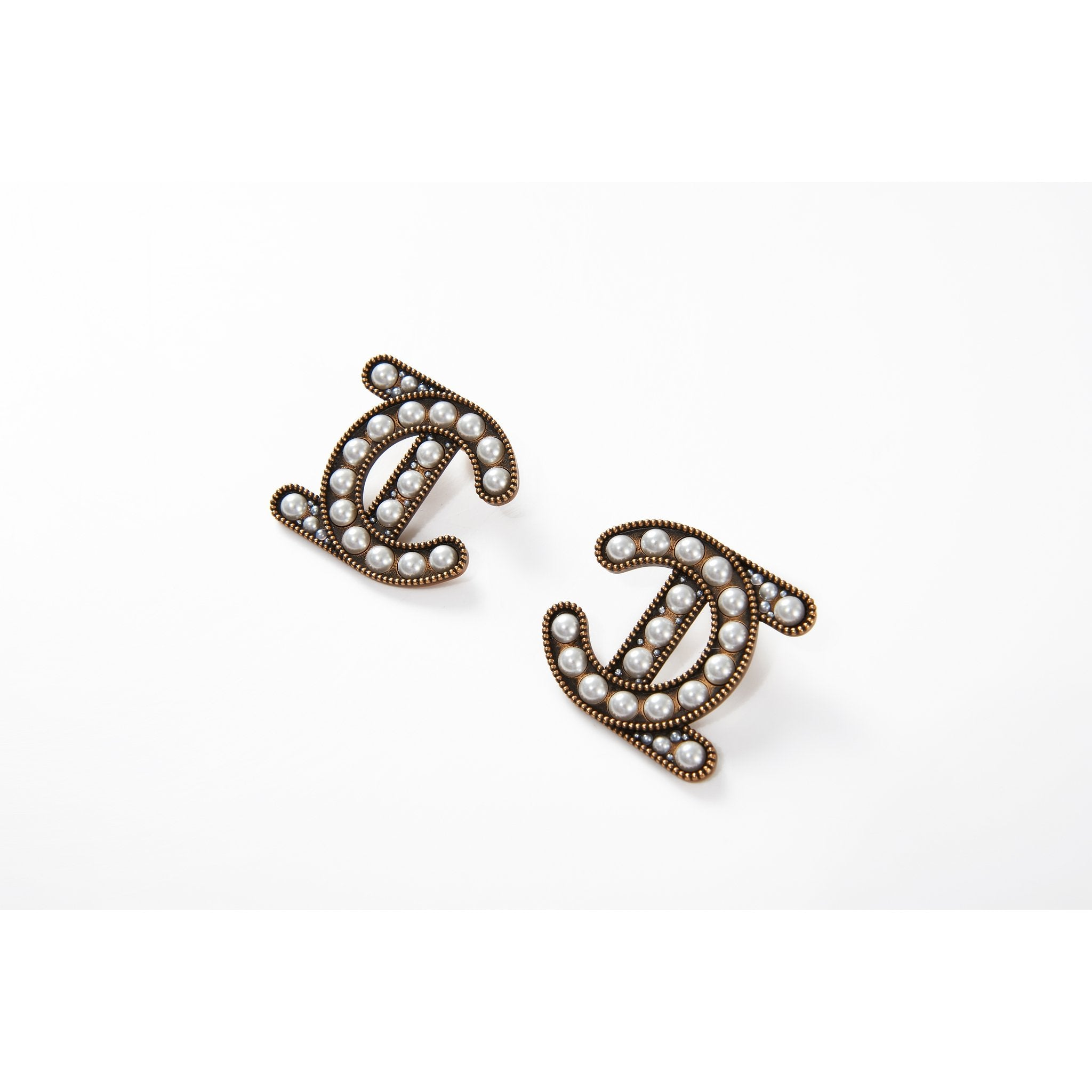 Laurence & Chico LC Logo Earring | MADA IN CHINA