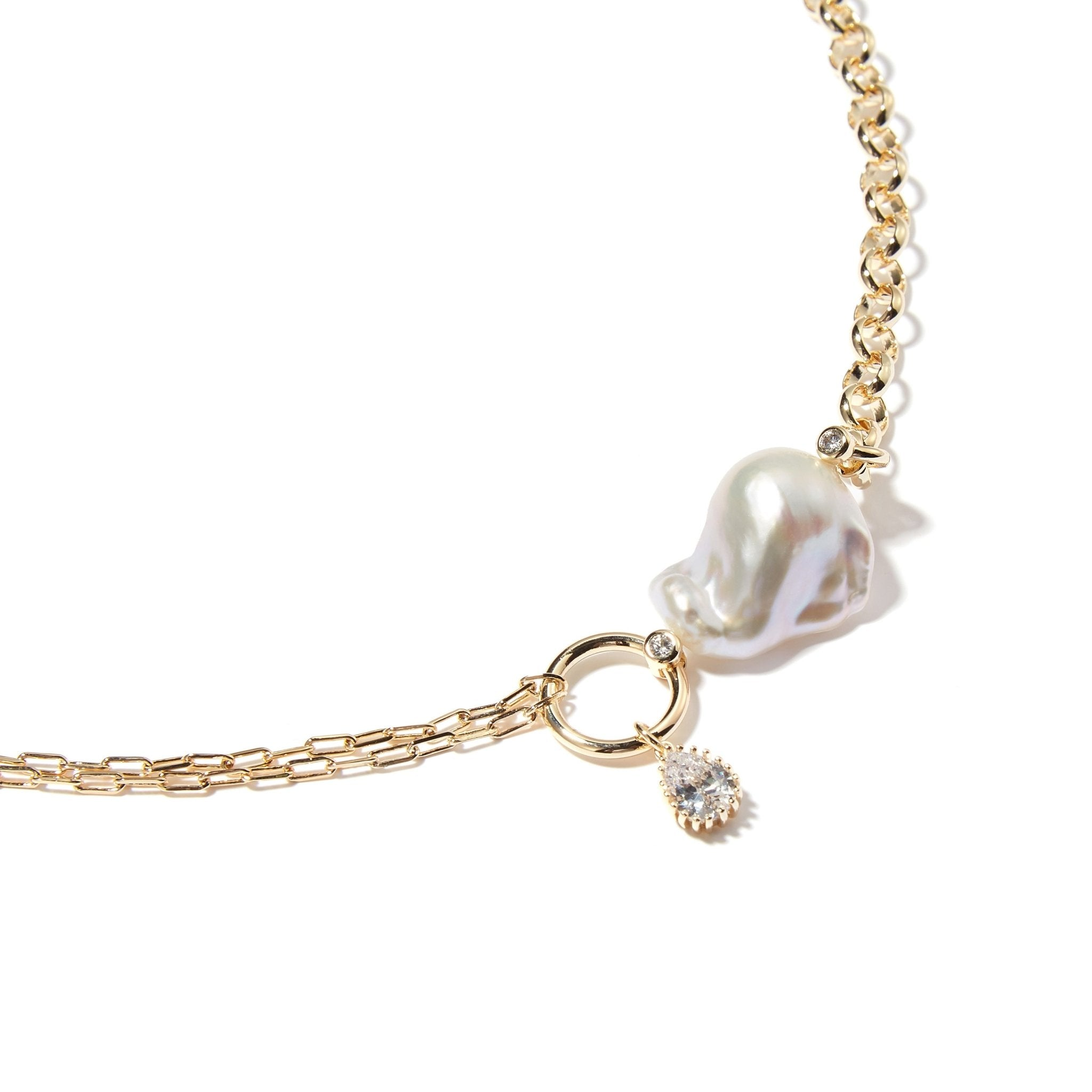 LOST IN ECHO Meta Baroque Pearl Necklace Gold | MADA IN CHINA