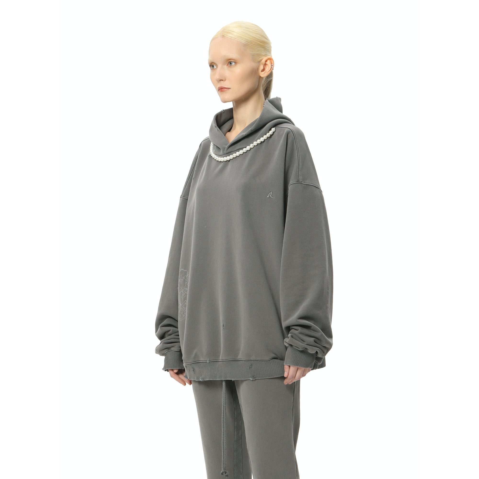 AIN'T SHY Pearl Necklace Hoodie Cold Ash | MADA IN CHINA