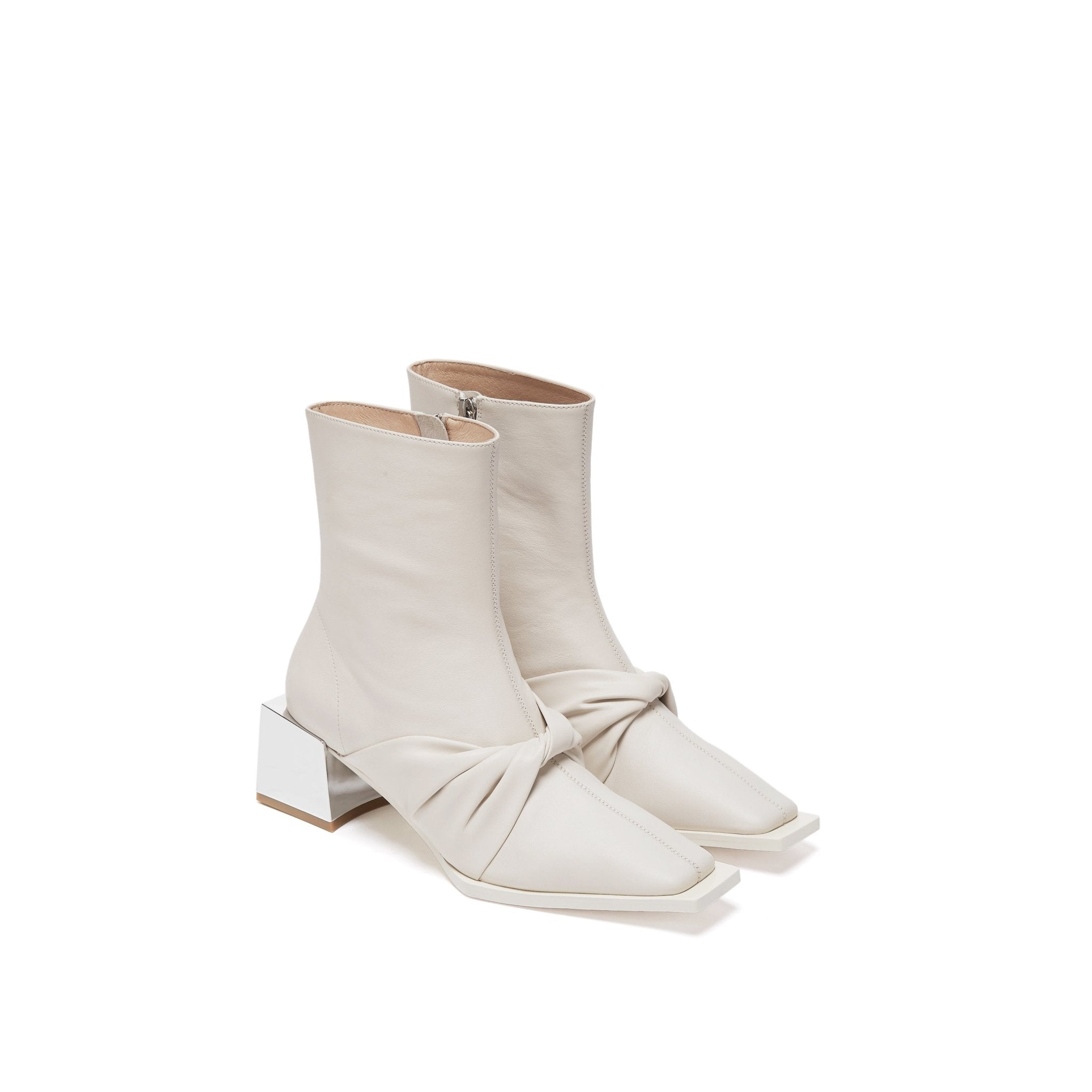 LOST IN ECHO White Metal Toe Lambskin Boots | MADA IN CHINA