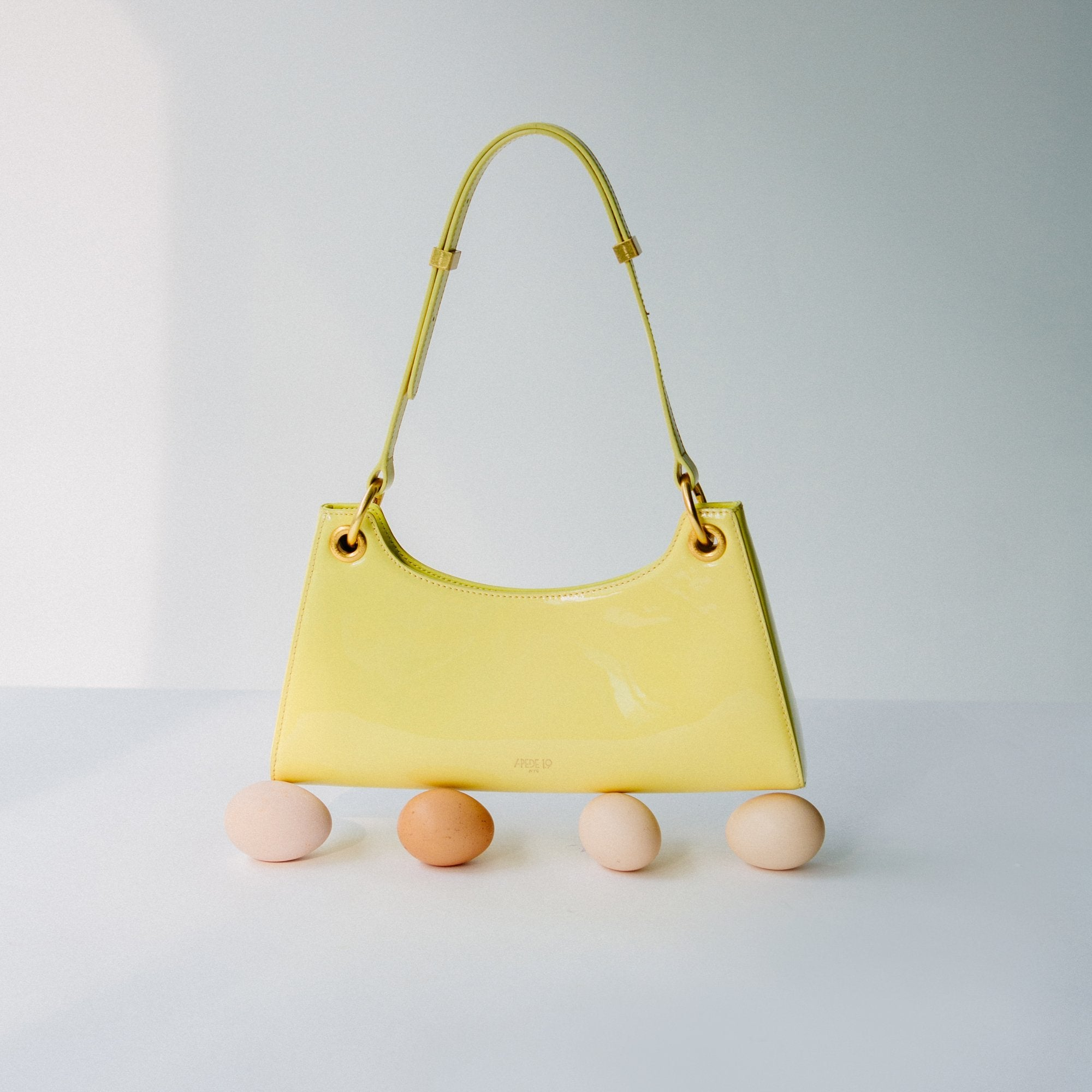 APEDE MOD Yellow Patent Froggy Bag | MADA IN CHINA