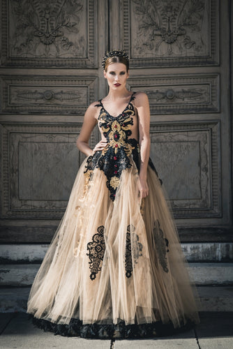 High-Quality Luxurious Golden Tulle Gown, Ewa Stepaniuk Couture, Wedding, evening, lace gold dress, stunning, gown, haute couture, designer, exclusive, luxury, Swarovski crystals,  luxurious wedding, Platinum Palace Hotel Wrocław, Paris Fashion Week, Arab Fashion Week