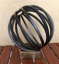 Load image into Gallery viewer, Bellac Metal Globe Figurine