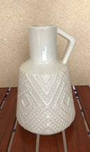 Load image into Gallery viewer, Diamond Cream Handcrafted Ceramic Vase