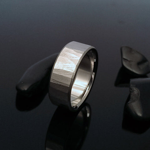 "Titanium Band ""Sequoia"" Finish"