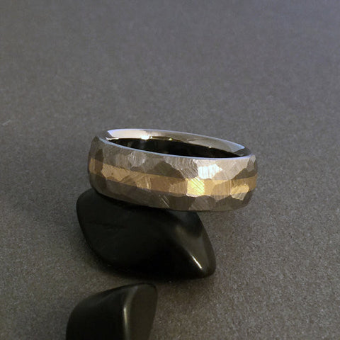 "Titanium & Wide 18k Solid Gold Ring ""Mosaic"" Finish"