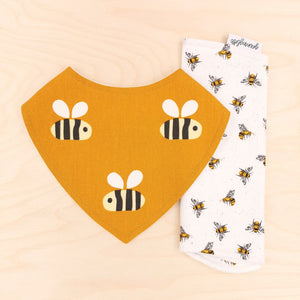Big Buzz Dribble Bib & What's Buzzing Burp Cloth