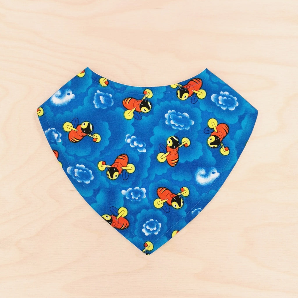 Buzzy Bee Clouds Dribble Bib