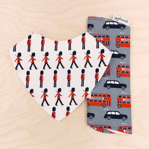 Queen's Guards Dribble Bib & London Buses Burp Cloth