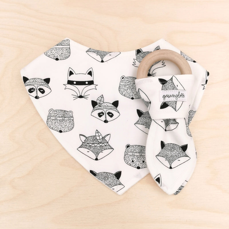 Tribal Animals B&W Dribble Bib & Tribal Animals B&W Teething Ring