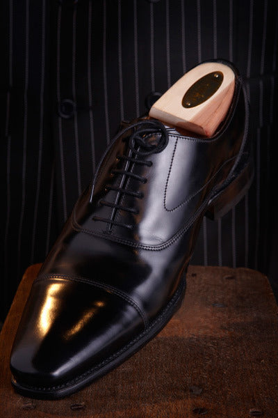 Loakes Sharp Black Leather Shoe