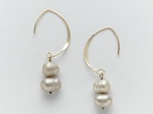 Load image into Gallery viewer, Lombok South Sea Pearl Earrings