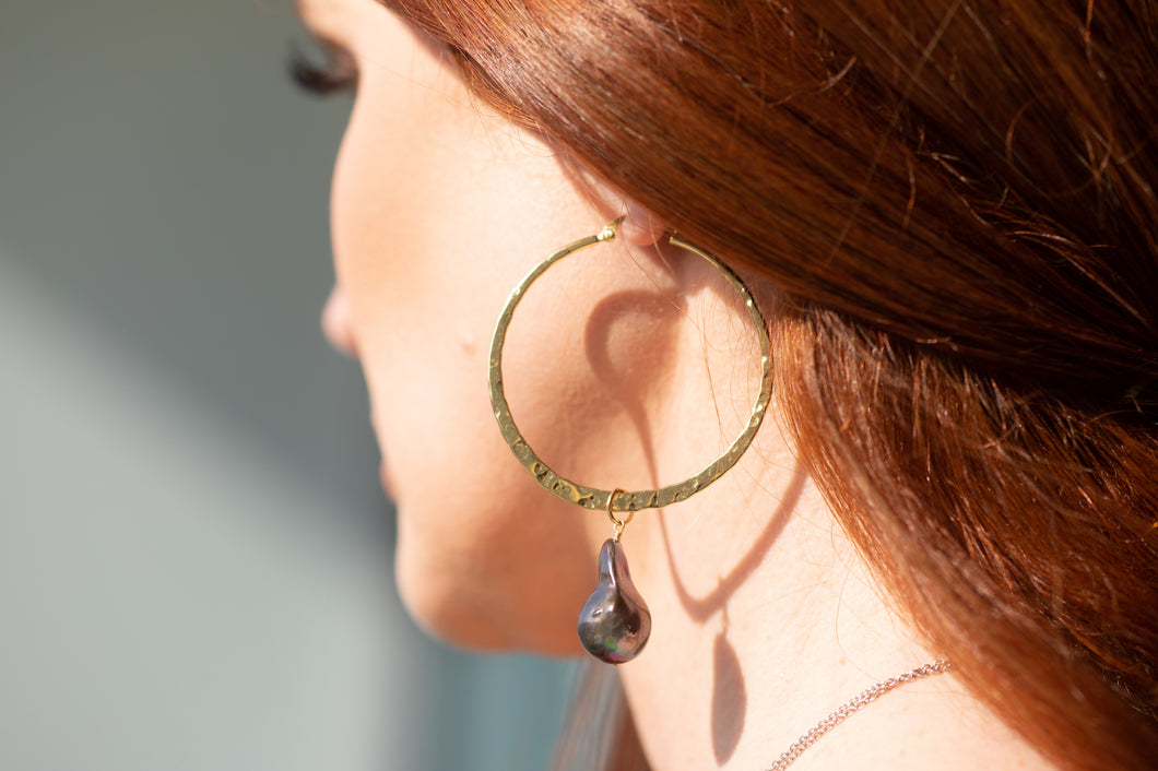 Tasha Hoop Earrings (Black)