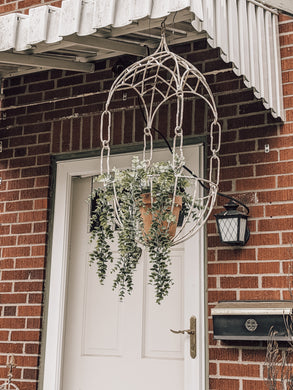 Metal Hanging Basket (store pick up only)