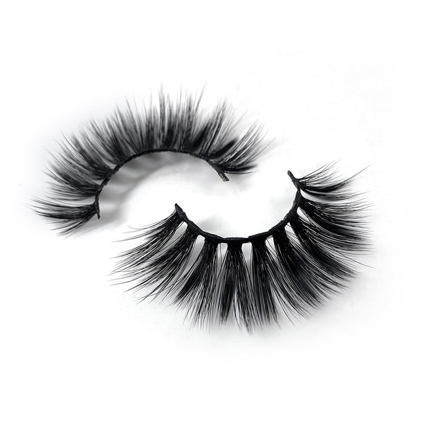 Fenkell Ave Faux M. Lashes