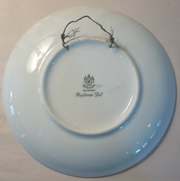 1967 BING & GRONDAHL B&G DENMARK JULE AFTER CHRISTMAS PLATE FUGLENES JUL