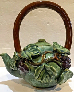3D CERAMIC GRAPES & GREEN LEAVES TEA POT WITH LID