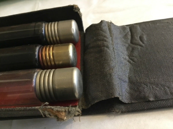 EXTREMELY RARE GULF OIL OLD LOGO SAMPLE TUBES CONTAINING OIL MIXTURES IN LEATHER HOLDER