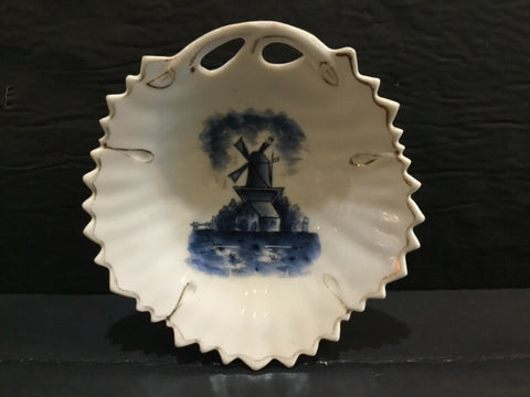 "BLUE AND WHITE PORCELAIN 6"" PLATE WITH WINDMILL SCENE"