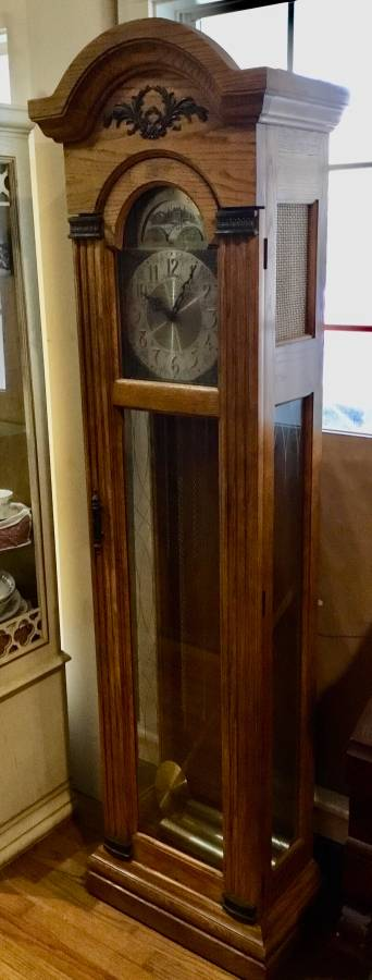 NICE MODEL 9093 PIPER JACKSON, MS GRANDFATHER CLOCK (c.1979)