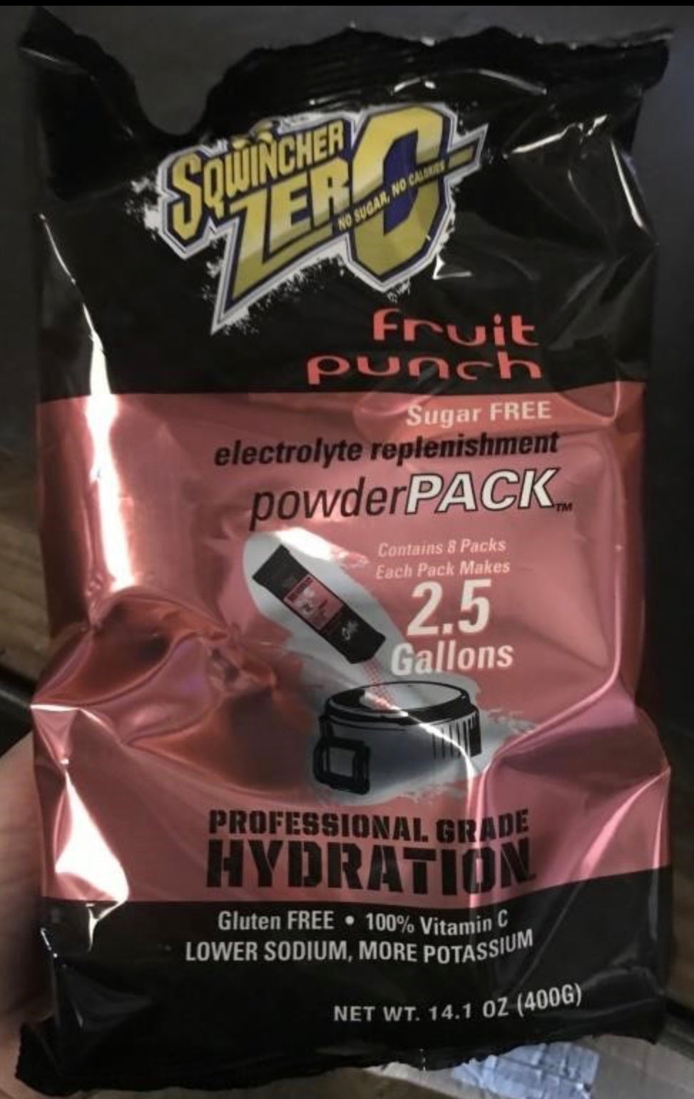 BOX OF (4) 8-PACK SQWINCHER ZERO FRUIT PUNCH ELECTROLYTE REPLINISHMENT POWDER PKS 2.5 GALLONS EACH (TOTAL 32 PACKETS)