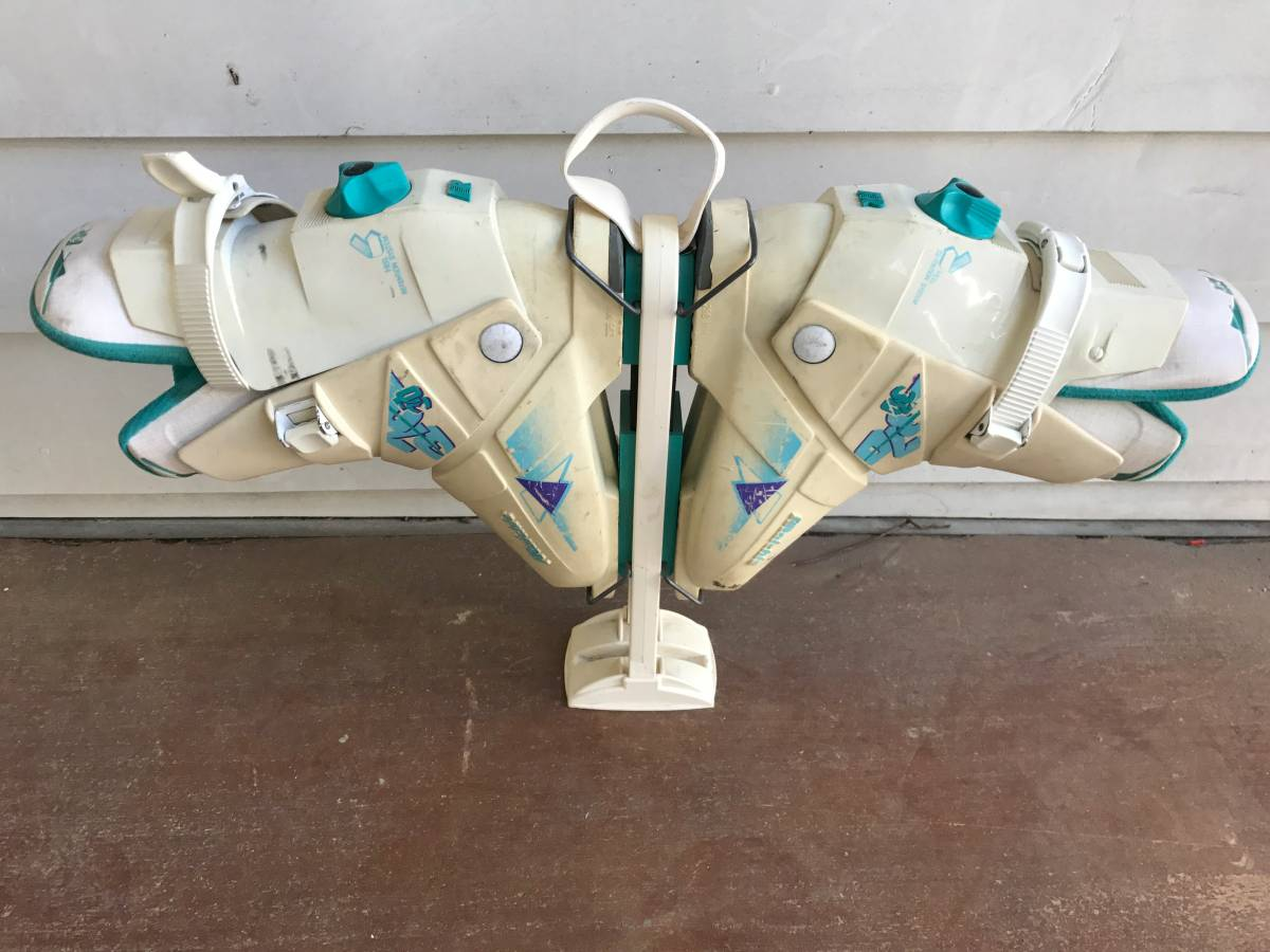 RAICHLE REAR ENTRY HEAL TENSION SYSTEM SKI BOOTS SIZE 8.5 WITH SHOE TREE