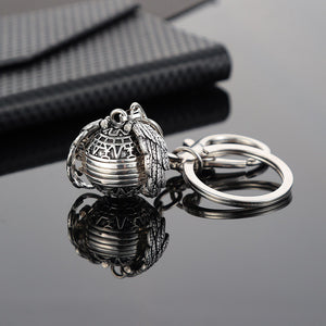 Wings Expanding 4-Photo Locket Keychain - Kryzeus