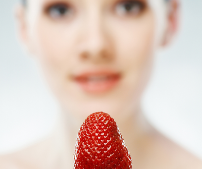 Ingredient Spot Light – Strawberry Seed Oil and Why You Should Add it to Your Lip Treatment Routine