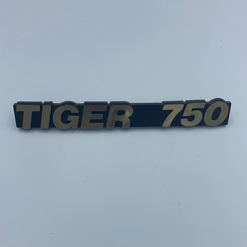 840056 - HARRIS TIGER 750 SIDECOVER BADGE 1985/88