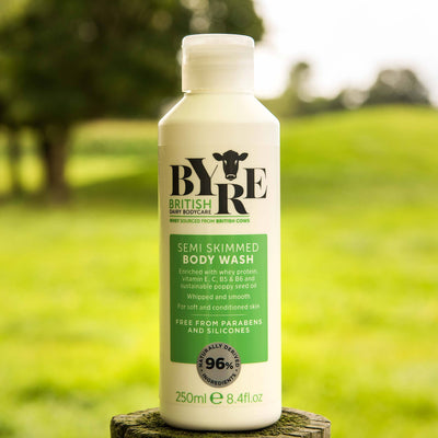 Byre Body Wash Semi Skimmed in field
