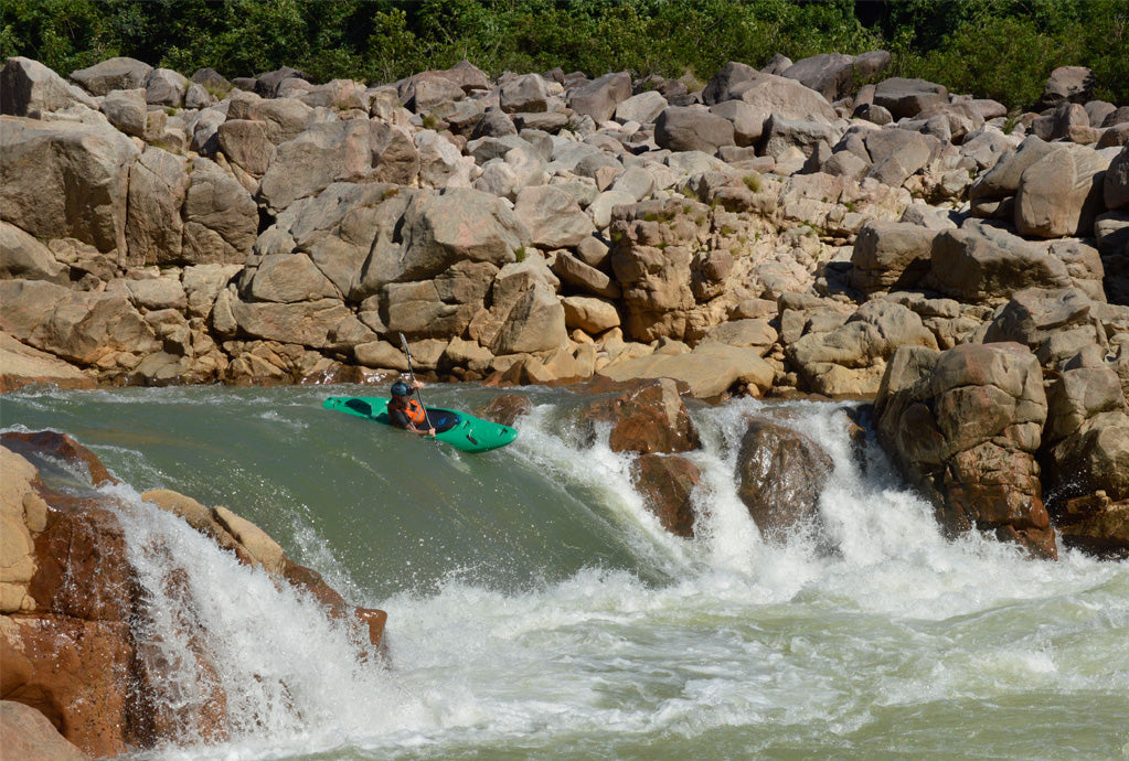 Casual rapid on the Kynshi, Meghalaya