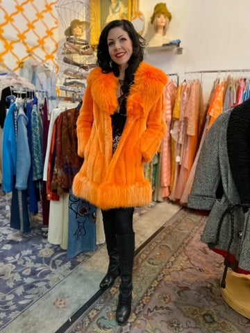 Trashy Diva Vintage Shopping Guide - Las Vegas Edition - Candice Gwinn in Vintage Coat at Patina