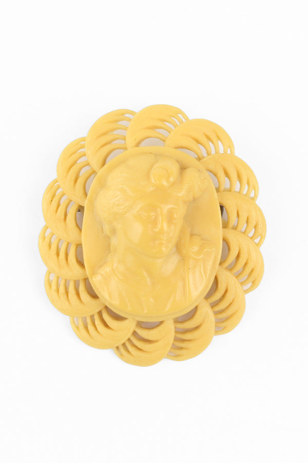 Bakelite Estate - Light Butterscotch Cameo Brooch