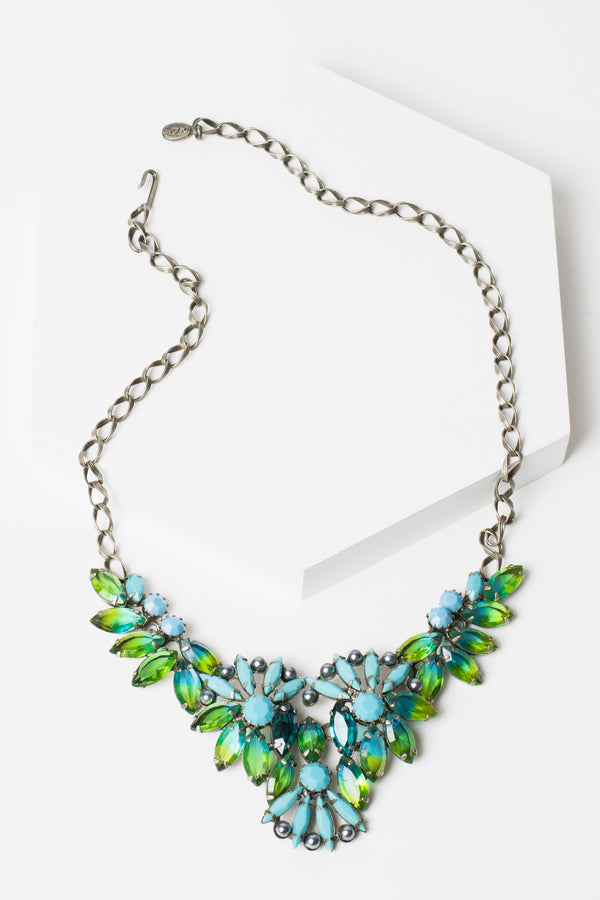 De Luxe Pinwheel Necklace