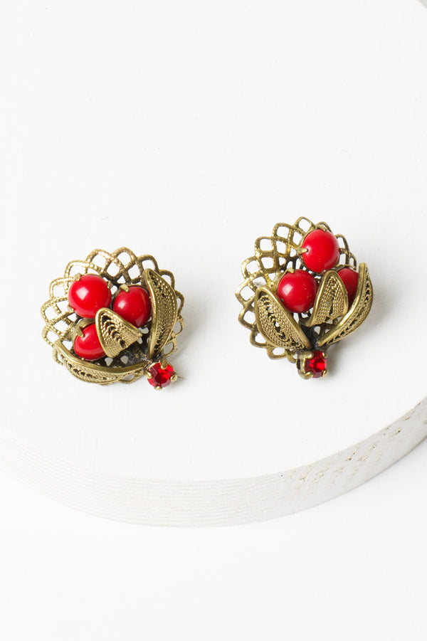 De Luxe Berry Chantilly Earrings
