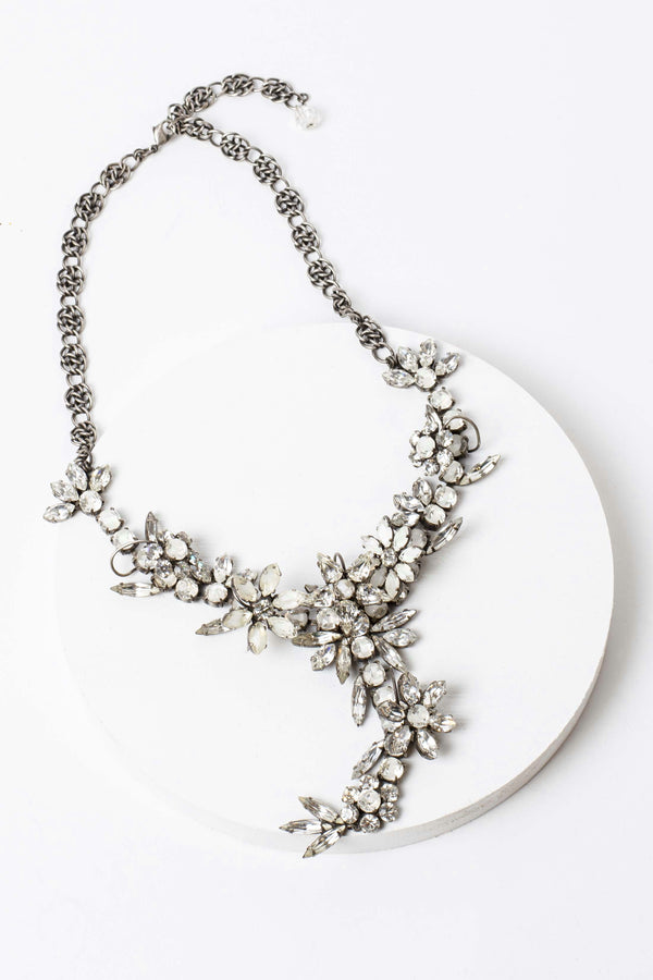 De Luxe Floral Dangle Necklace