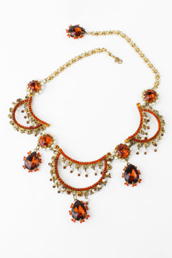 De Luxe Grand Scalloped Necklace