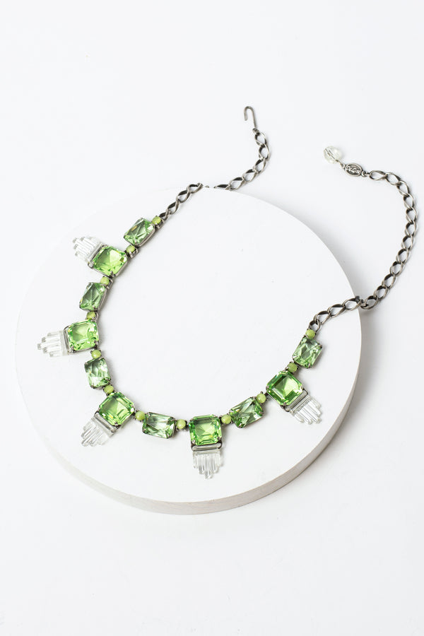 De Luxe Deco Swing Necklace