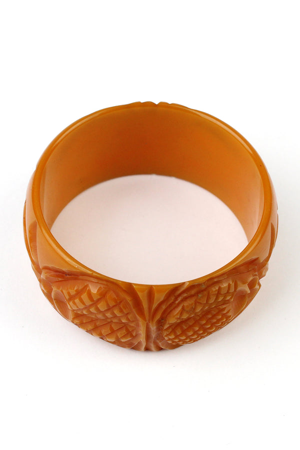 Bakelite Estate- Deeply Carved Pineapple Bangle