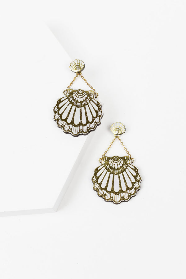 Rosita Bonita Fan Clam Stud Earrings - White