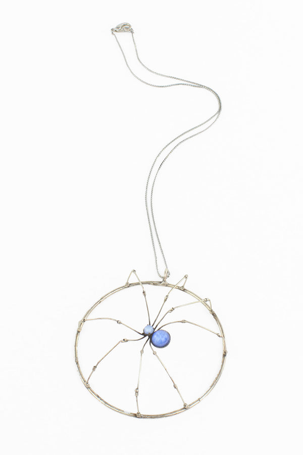 De Luxe Circle Spider Necklace
