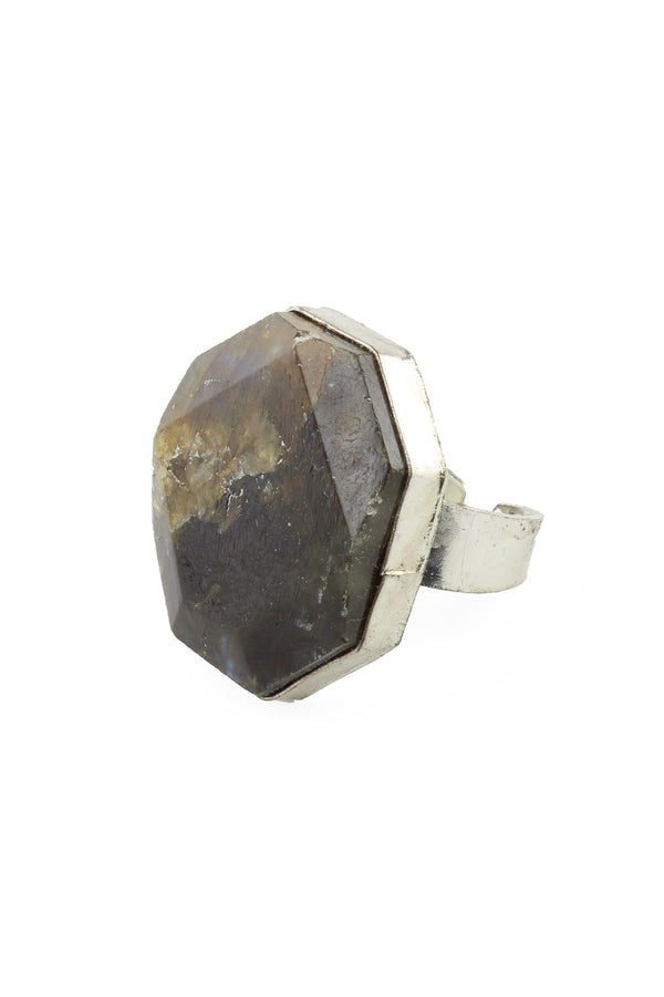 Adventurine Faceted Ring