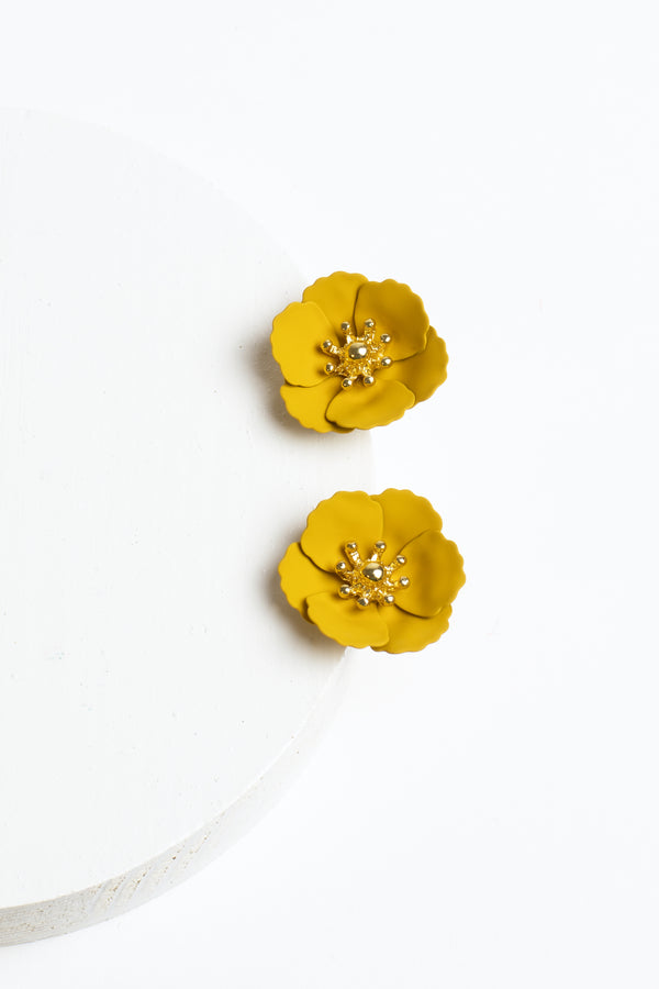 Zenzii Poppy Flower Earrings - Honey