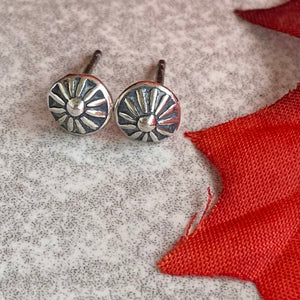 The Estriada Stud Earrings