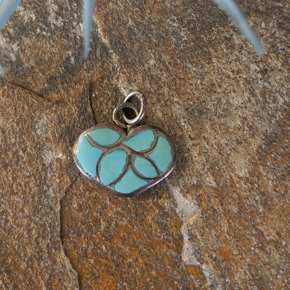 The  Corazón Turquoise Inlay Pendant