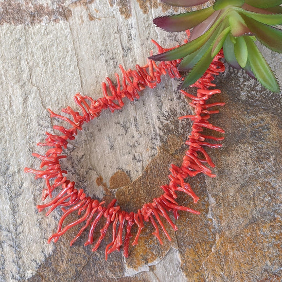 The Rosa Vintage Coral Necklace